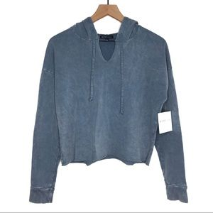 BEYOND YOGA Hey Chambray Faded Cropped Hoodie NWT